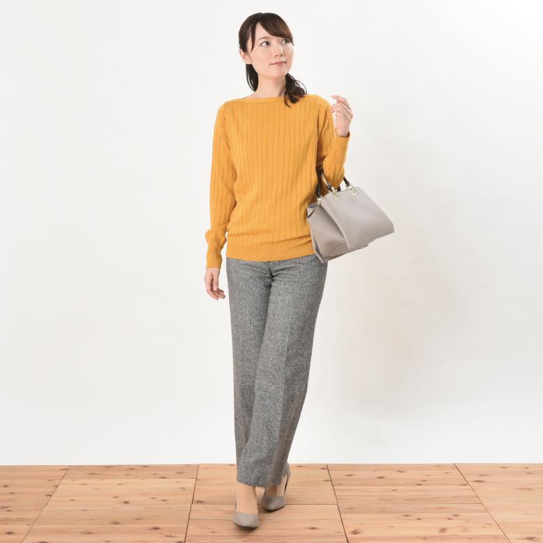 授乳服コローレニットモデル写真1