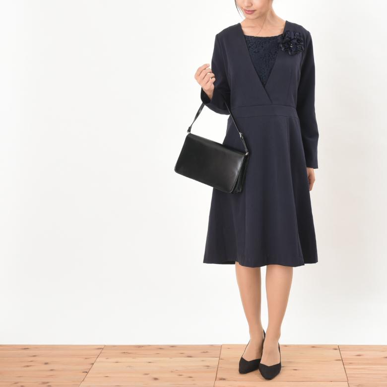 モーハウスのフォーマル授乳服クラシカルレースモデル写真2秋冬