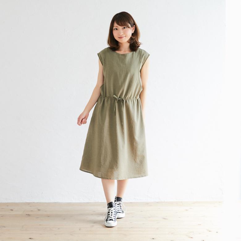 授乳服ウエストマークノースリーブワンピースモデル写真1