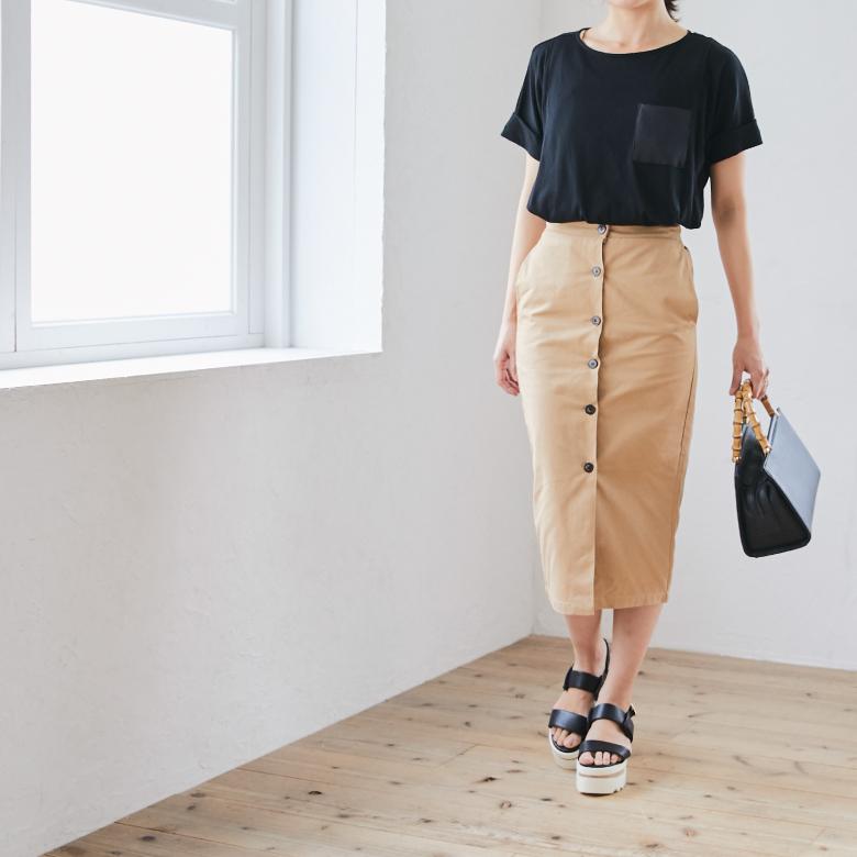 モーハウスの授乳服ポケットTシャツモデル写真2