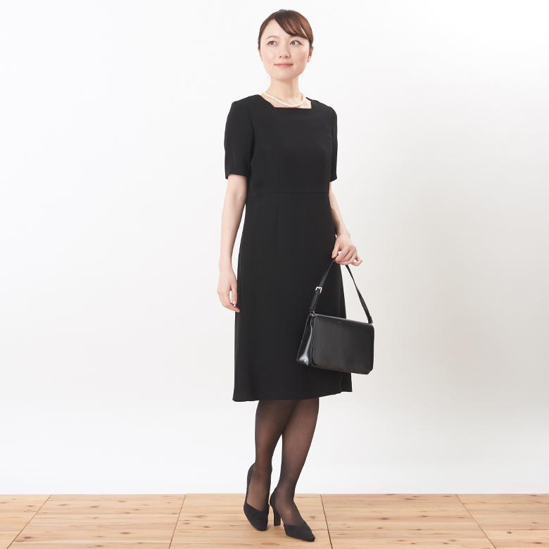 フォーマル授乳服ブラックフォーマルドレスモデル写真1