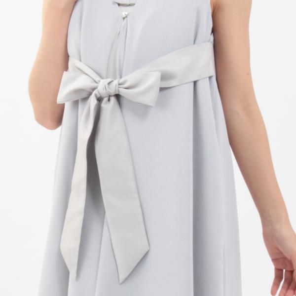 モーハウスのフォーマル授乳服のディテールポイント:胸元のリボン