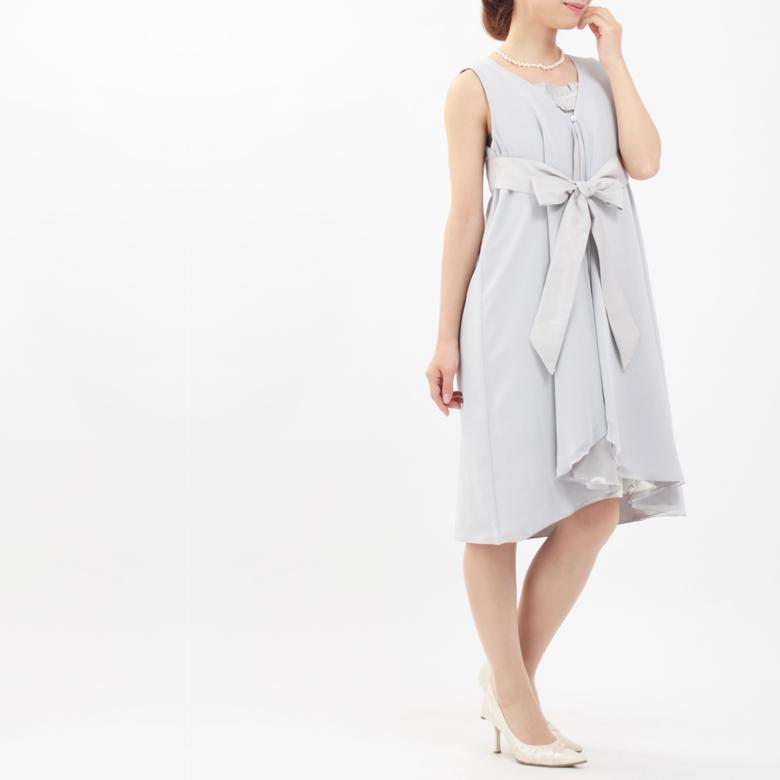 モーハウスのフォーマル授乳服REVE(レーブ)モデル写真2