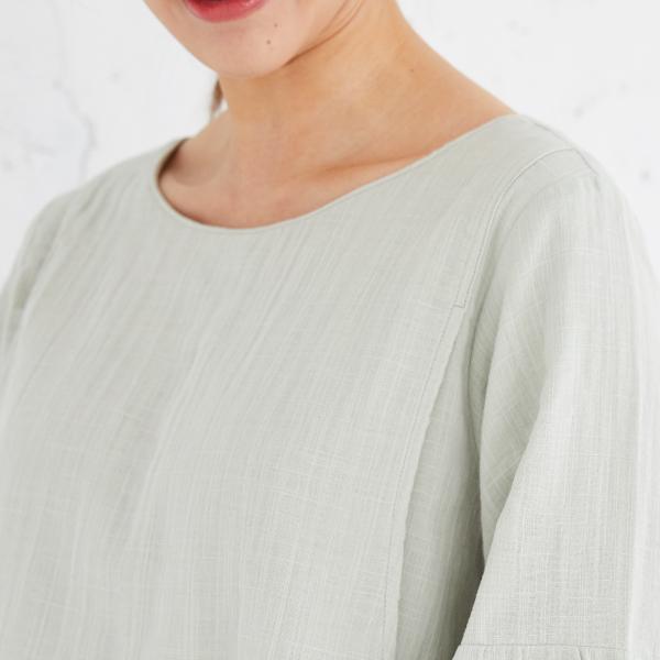 授乳服ディテールポイント:ネックライン