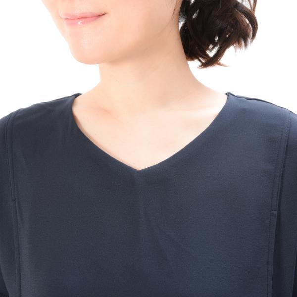 モーハウスの授乳服のディテールポイント:ネックライン