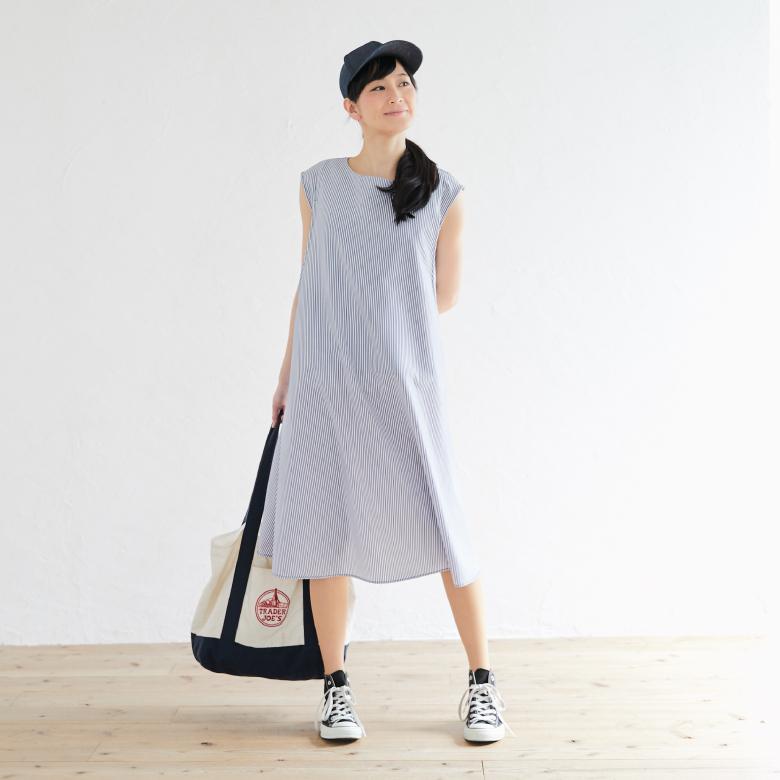 授乳服ノースリーブAラインワンピースモデル写真1