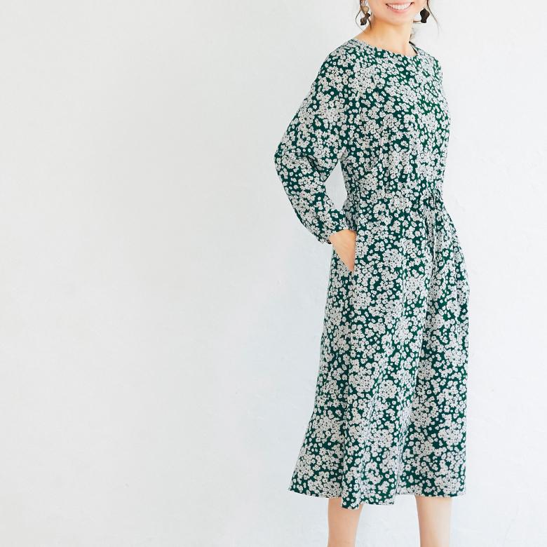 モーハウスの授乳服フラワープリントワンピースモデル写真2