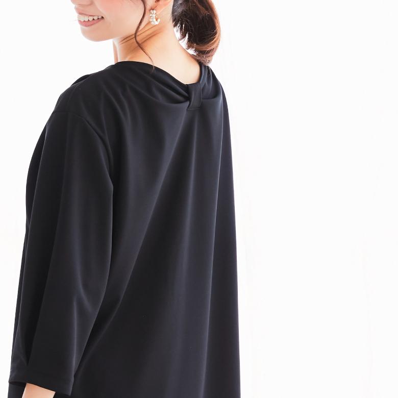 モーハウスの授乳服バックリボンワンピースモデル写真2