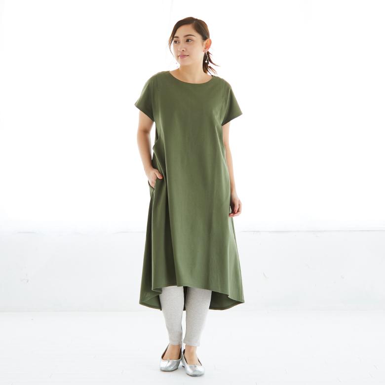 モーハウスの授乳服フレアーカットソーワンピース(半袖)モデル写真1