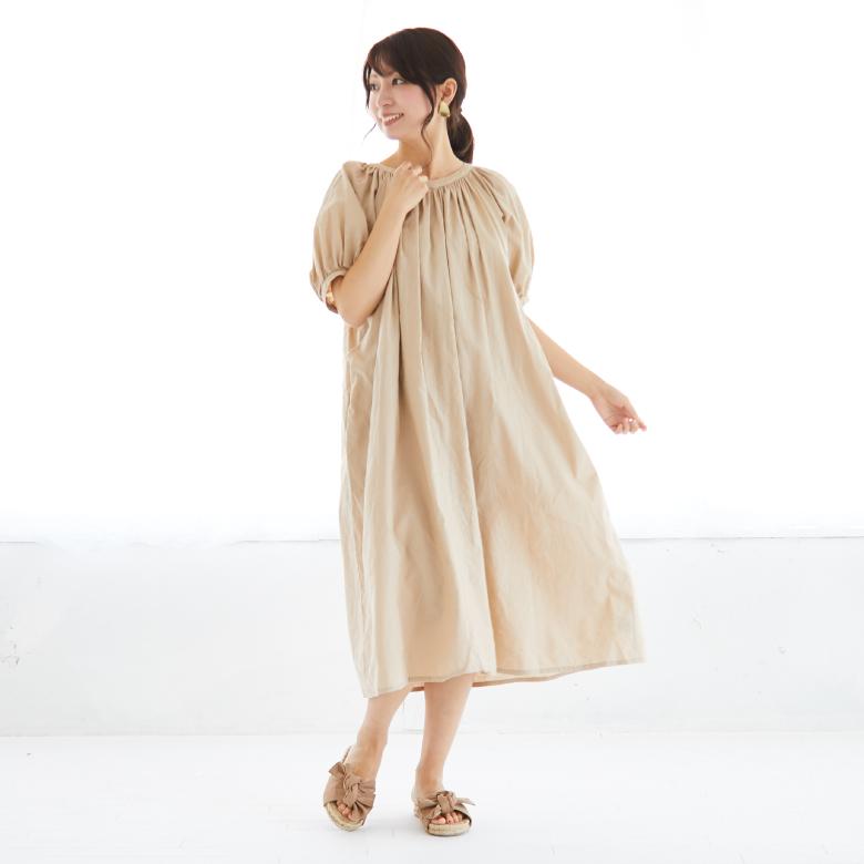 モーハウスの授乳服ボリュームスリーブワンピースモデル写真1