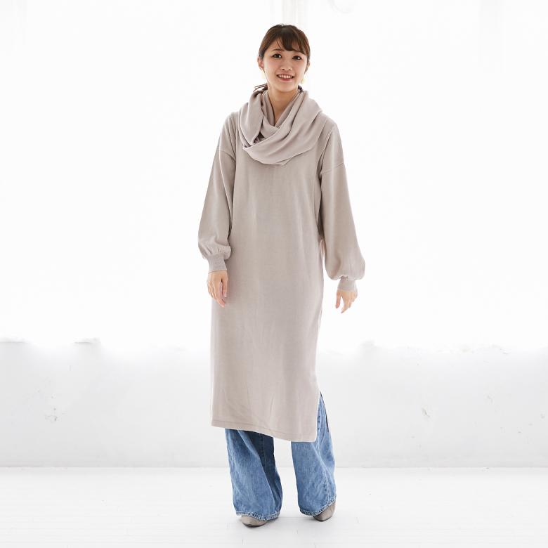 モーハウスの授乳服バックラインニットワンピースモデル写真1