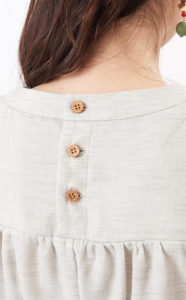 授乳服 ボタン
