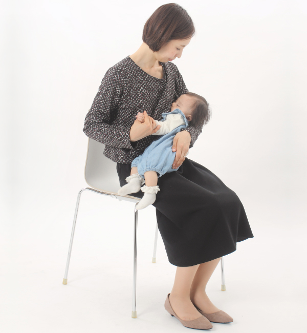 授乳服 ARARE(あられ) ワンピース ネイビー 授乳中